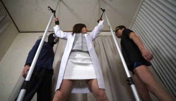 アキバ強制拷問くすぐりレイプ5 女医の前城しずか